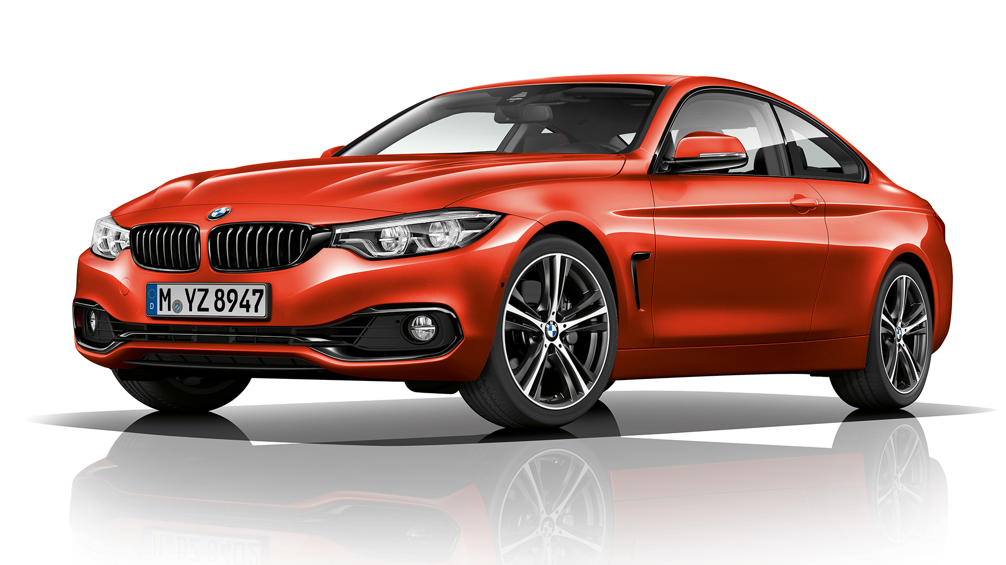 BMW 4 Series Coupé, Model Sport Line three-quarter front shot