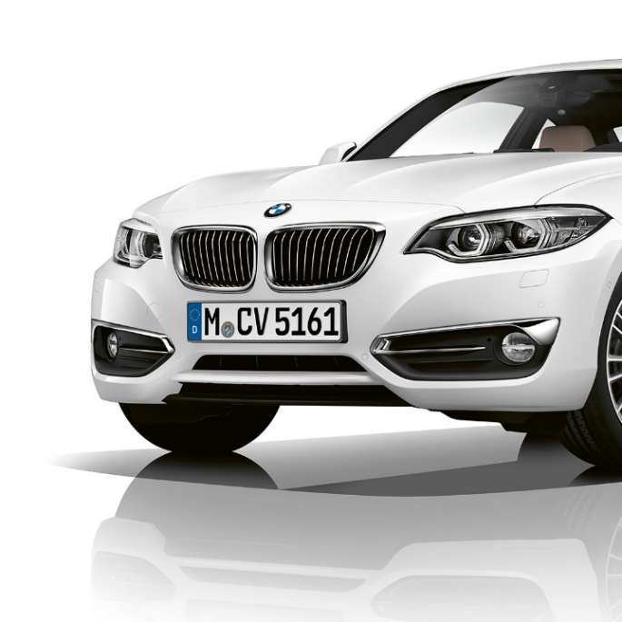 BMW 2 Series Coupé, Model Luxury Line three-quarter front shot